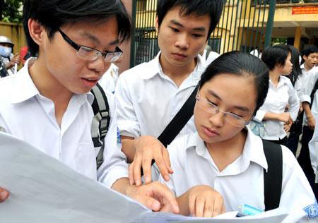 Đề thi tuyển sinh vào lớp 10 môn Toán năm học 2014- 2015 của Sở giáo dục và đào tạo TP Hà Nội: