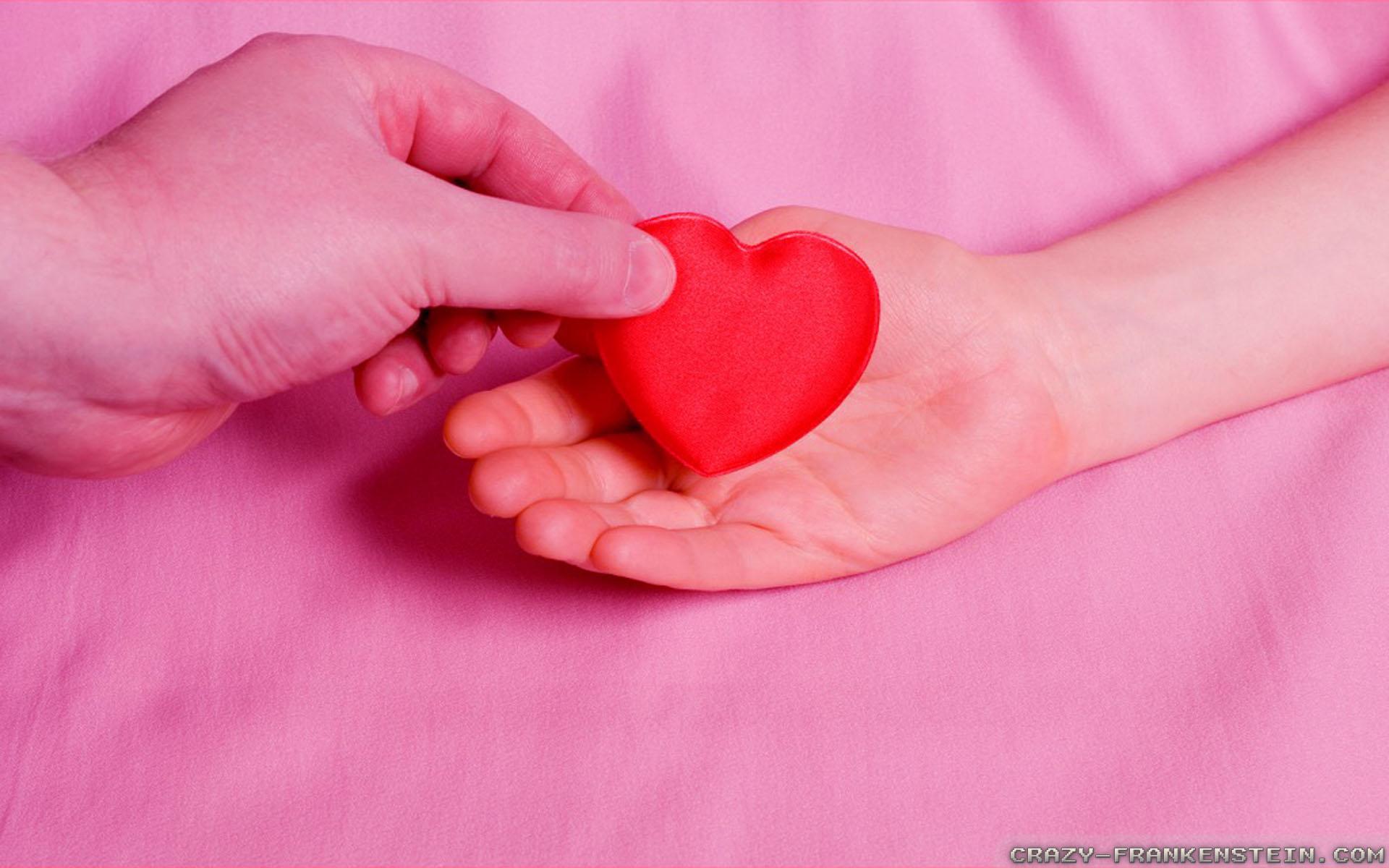 Hãy trao yêu thương cho tất cả mọi người